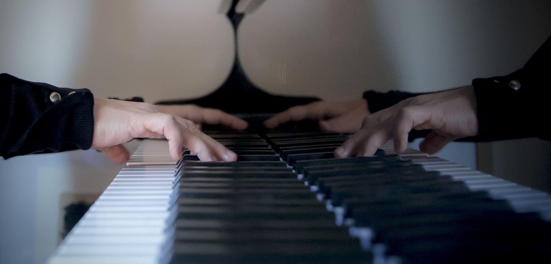 marta zabaleta manos pianista